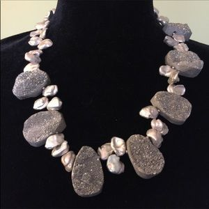 Jewelry - OFFER $15 👌Druzy&freshwater pearl necklace